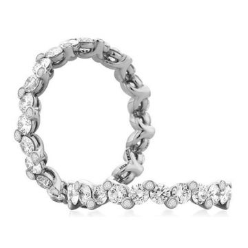 A. Jaffe 18k White Gold Staggered Diamond Shared Prong Anniversary Band